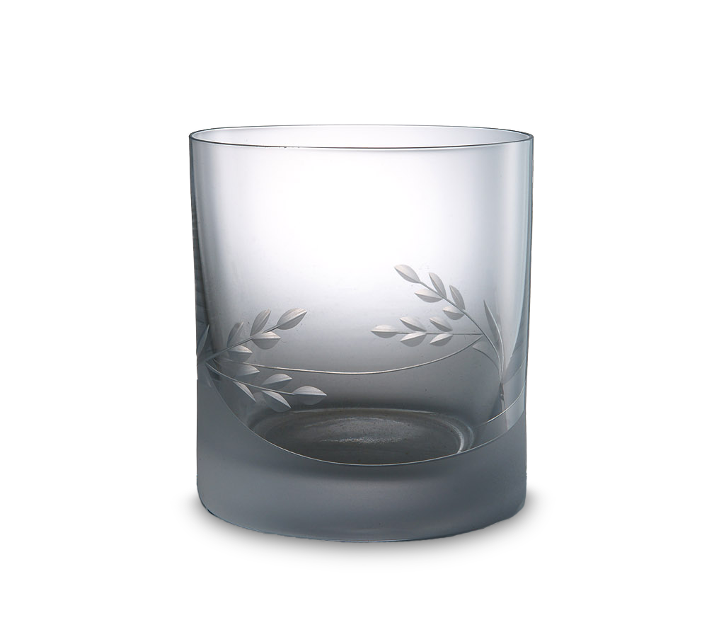 Malá broušená sklenice na vodu